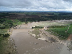 Figure 4: Erosion on the left bank of the Mundaú river, above the pipeline ROW.
